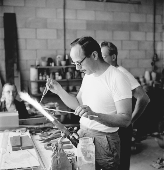 Harvey Littleton Studio Glass Workshop, Toledo Museum of Art Photographed by Robert C. Florian, June 1962 Gift of Robert C. Florian