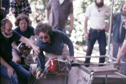 Littleton and Dale Chihuly blowing glass at Pilchuck Glass School, 1974 (Marvin Lipofsky Archive, Rakow Library, The Corning Museum of Glass).