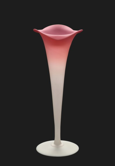 Peachblow Lily Vase, New England Glass Company, East Cambridge, Mass., 1885-1888. 2011.4.44.