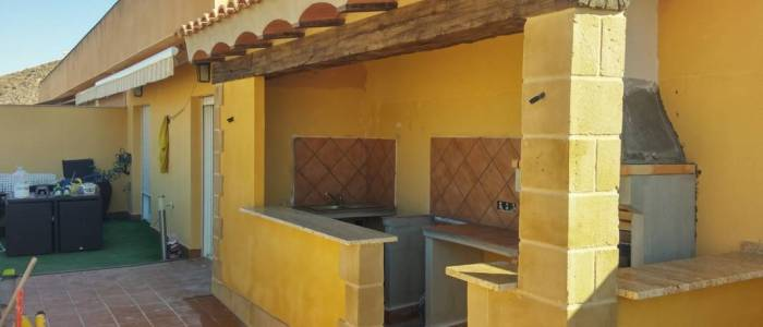 chimenea-patio-exterior-decoracion-piedra-alicante-murcia