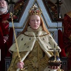 Cate Blanchett as Elizabeth at her coronation in Ezalibeth