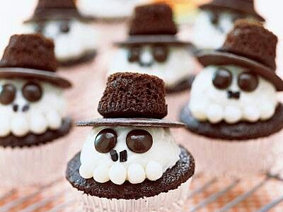 dessert25 25 Good, Gross, and Ghoulish Halloween Party Food Ideas