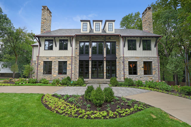 425 Woodside Avenue, Hinsdale, IL listed by Dawn McKenna with Coldwell Banker Residential Brokerage