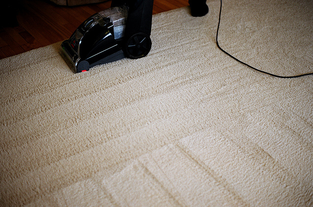 Carpet cleaner giving a deep clean to carpets