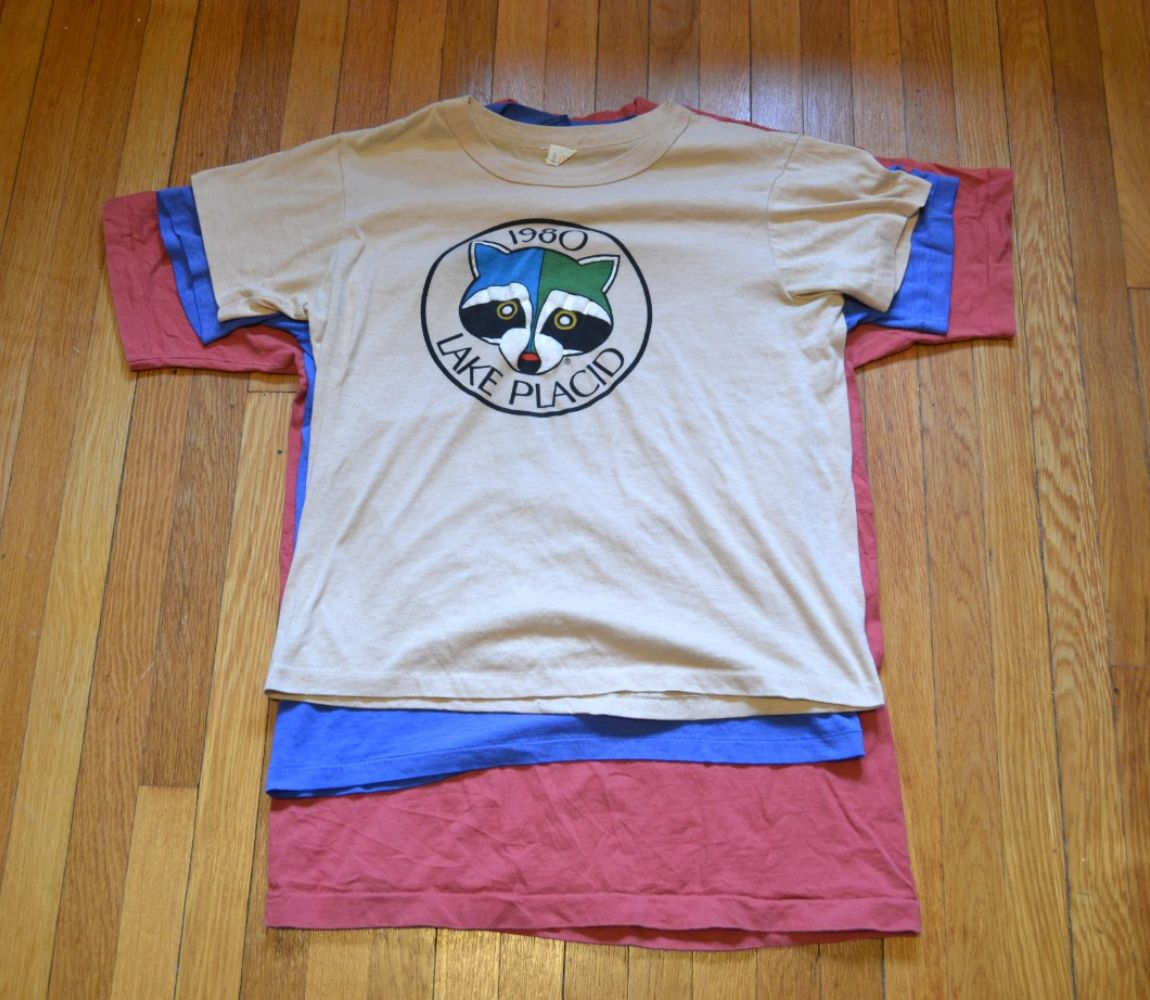 d3408bc23e875 A Guide to Buying Vintage T-Shirts at Thrift Stores and on eBay ...