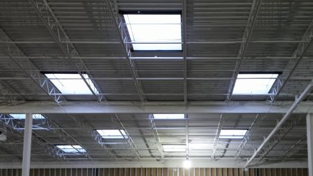 warehouse-skylight-22822-172900
