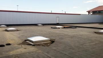 warehouse skylight 22822-122105