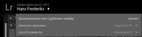 Zet Lightroom Mobile aan bij het naamplaatje linksbovenaan in de Lightroom desktop-versie.