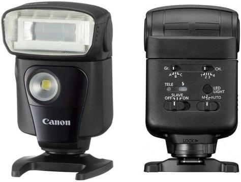 Speedlite 320EX met led-licht als videolamp.