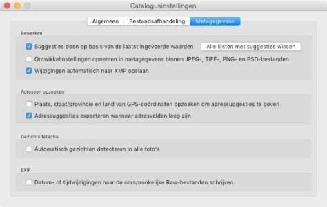 Bij de Catalogusinstellingen kun je bij Metagegevens aangeven dat je de wijzigingen automatisch wilt opslaan naar XMP.