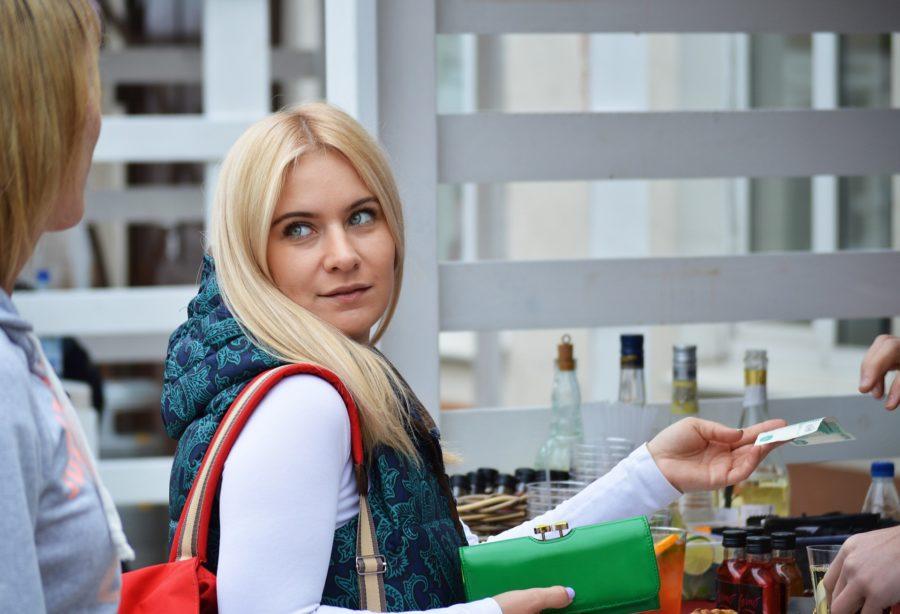 Como fidelizar clientes no varejo: 12 dicas que você tem que conhecer
