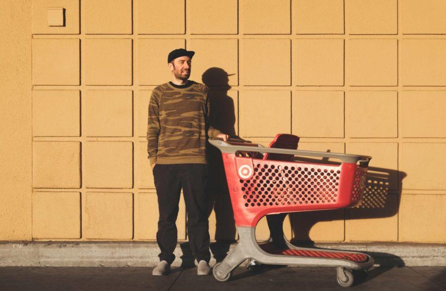 Como atender bem um cliente: 17 maneiras de ir além do volte sempre
