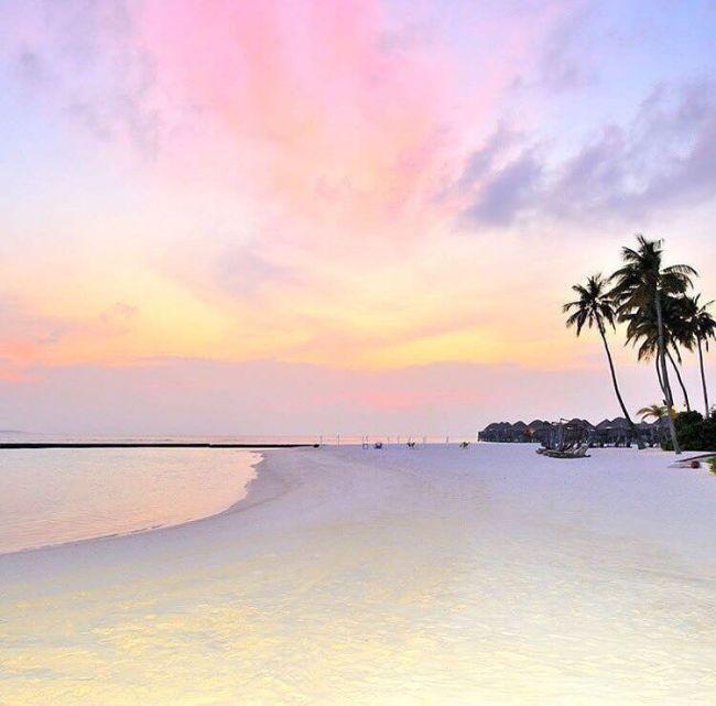 Pastel Maldivian sunset