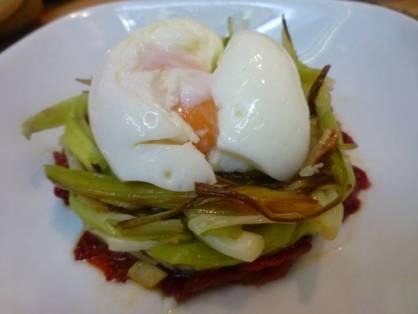 menu_para_bajar_de_peso_peruano_nido_de-_huevos_escalfados_y-_ajos-_verdes