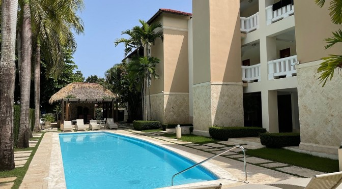 Great 2 bedroom condo at a few steps to Cabarete beach !
