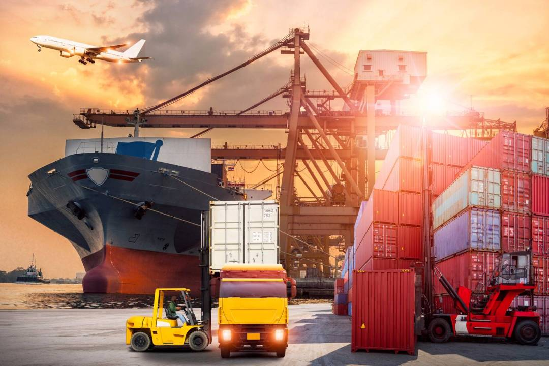 5 Ways To Recognize Employees in the Transportation & Logistics Industry