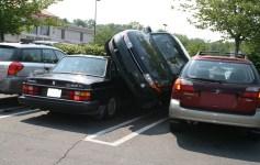 ركن السيارة بطريقة صحيحة
