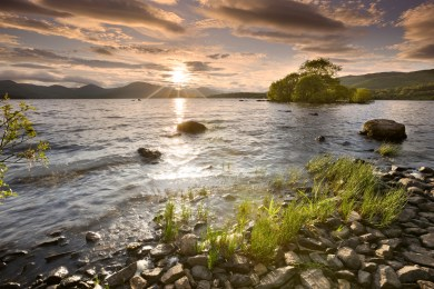Northern Scotland – a rugged wilderness, mountains, lochs and islands await to offer you a wealth of walking opportunities.