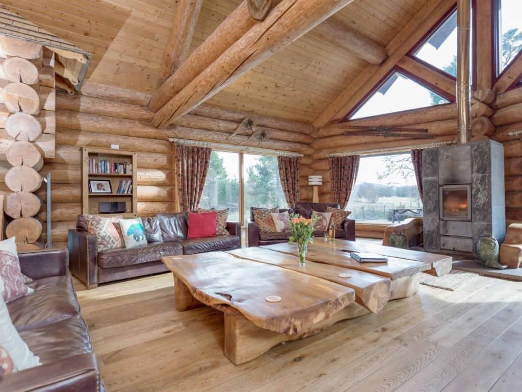 Mountain Bear Lodge near Aviemore, Highlands