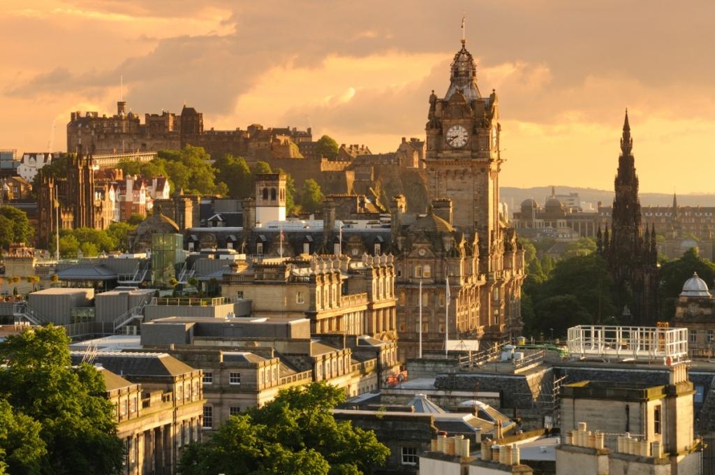 Last second breaks Edinburgh