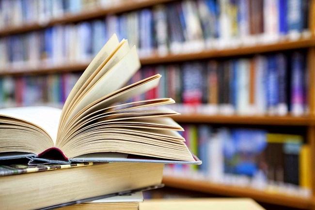 Pesquisa aponta preferência de jovens universitários por livros de papel