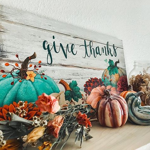 Give Thanks Sign and Pumpkins