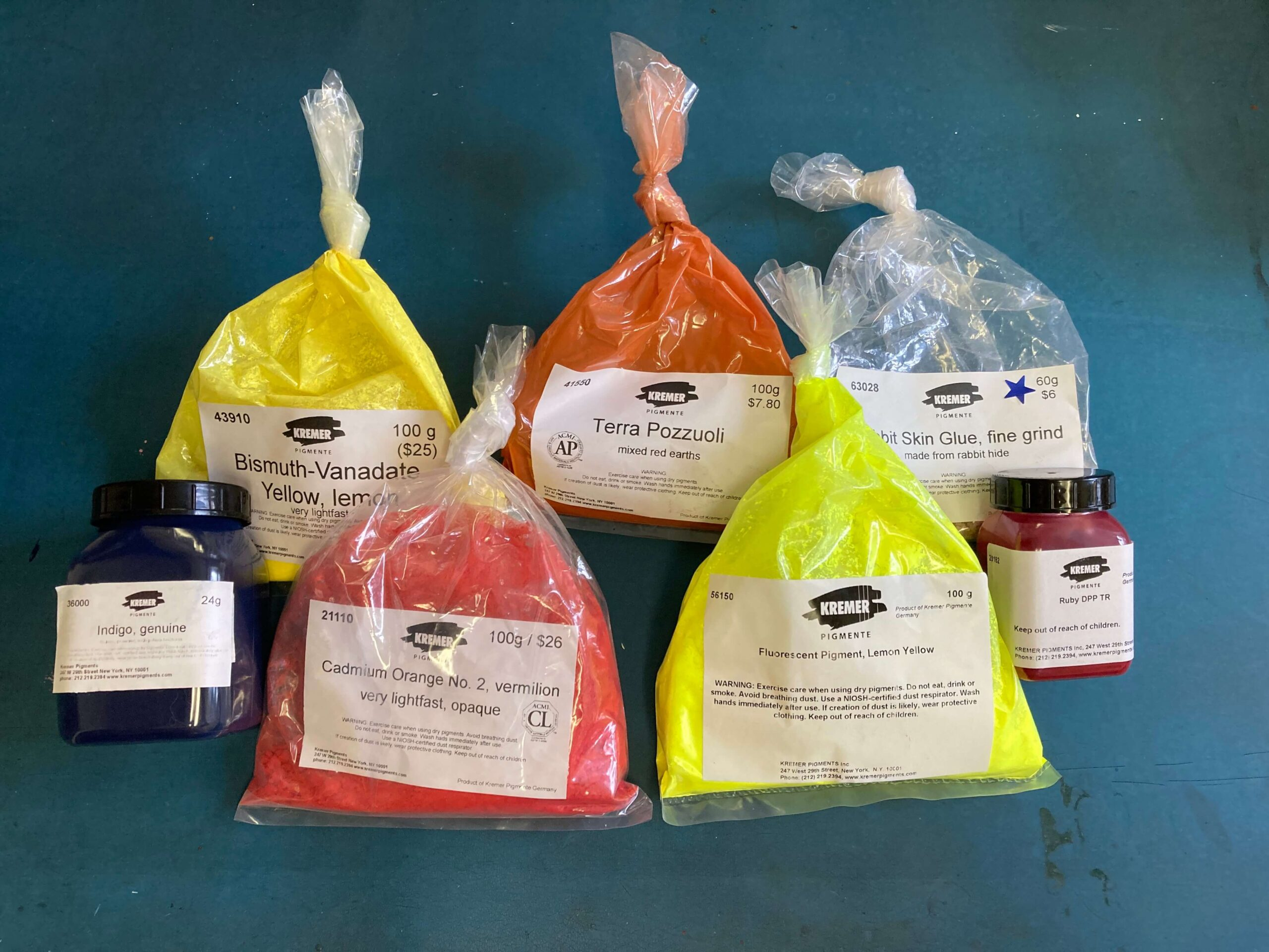 A mix of earth, inorganic and dye-based pigments