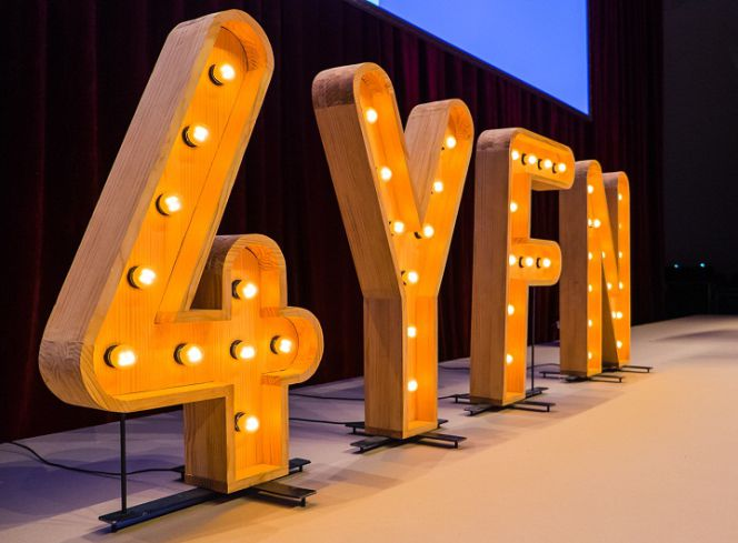 4yfn un evento a medida para el grupo Crazy4media