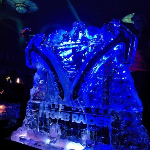 sculpture de glace avec les 2 piolets de Lara