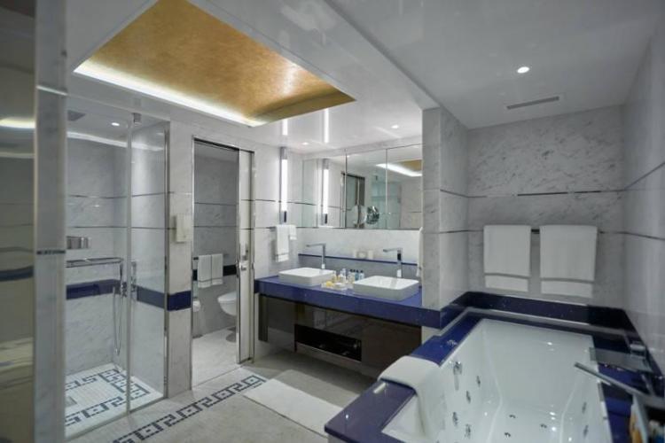 exp-seven-seas-suite-bath