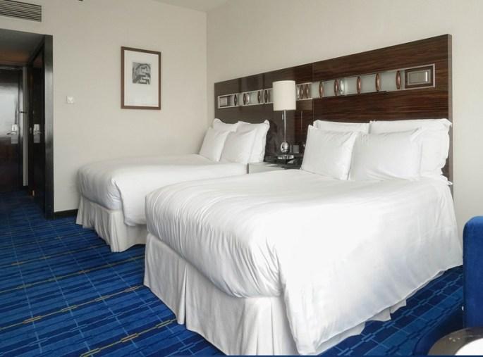 Room,In,Hotel,,Twin,Bed,Room,,Hotel,Room.,Window,Light.