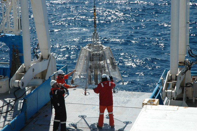 Voyage update: Searching for the meaning of life for ocean microbes