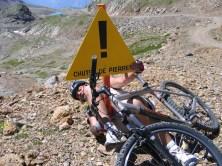 2005-07-alpe-huez-05-chute-de-pierre