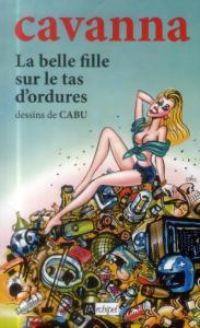 la-belle-fille-sur-le-tas-d-ordures