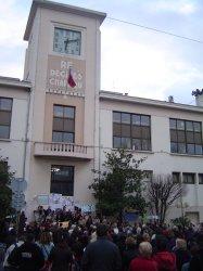 Mobilisation devant la mairie de Décines