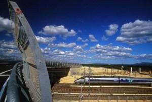 TGV au passage de la gare d'Aix en Provence
