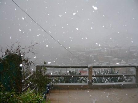 2009-01-neige-marseille-goudes-01