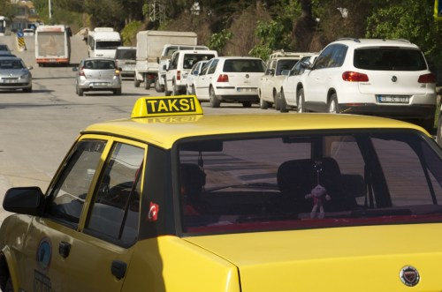 Un taxi, Antalya (Turquie - 16 avril 2013)