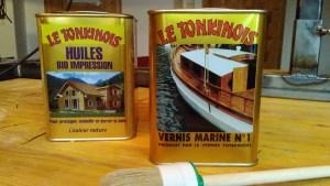 Le Tonkinois - links die Grundierung, rechts der Lack