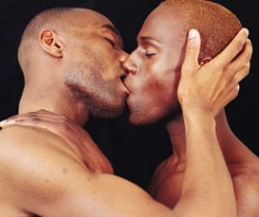 Gay-Black-Men-Kissing