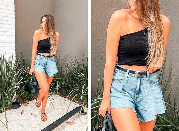 Blusa cropped preta com short jeans