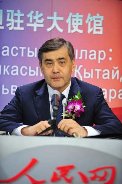 Саясаткер Нұрлан Ермекбаев.