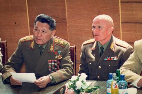 Слева направо: Сагадат Нурмагамбетов и Павел Новиков.