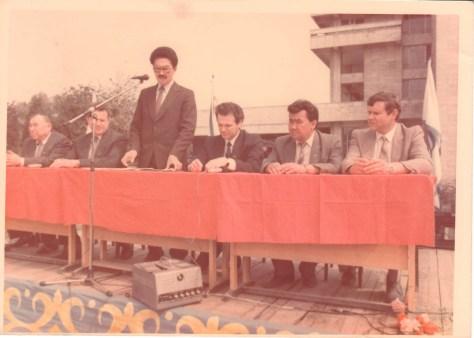 Третий справа - первый заместитель мэра Алматы Виктор Храпунов.