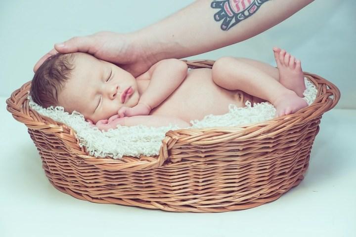 photographier les enfants panier bébé