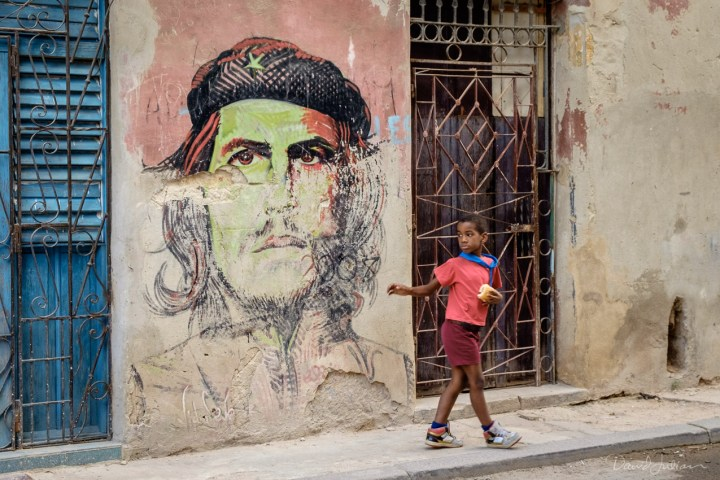 Bay and Ché, Havana