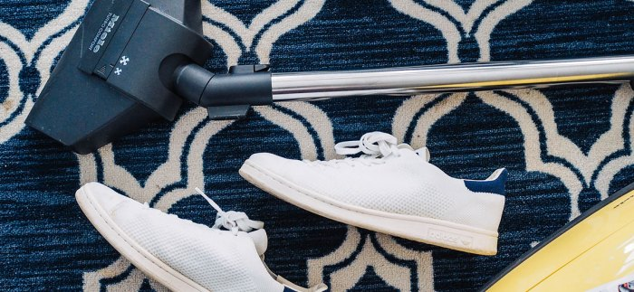 hoover-trainers-on-carpet