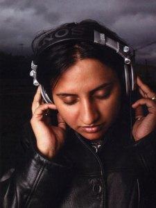 rekha-headphones1