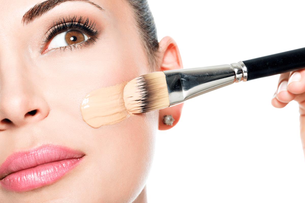 Como disfarçar as cicatrizes usando maquiagem