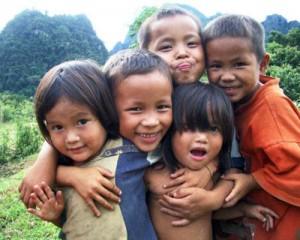 felices a los niños